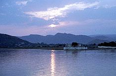 Honeymoon Tours Udaipur Rajasthan