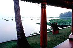 Vembanad Lake Kumarakom Tour Pakages Kerala